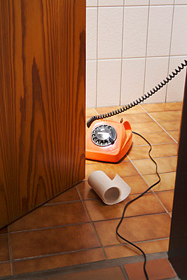 Bathroom telephone - p2141735 by hasengold