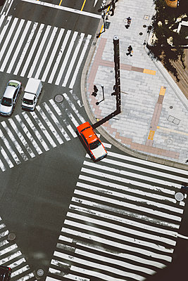 p432m2108553 by mia takahara