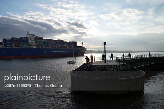 Elbe river - p067m1185379 by Thomas Grimm