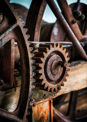 Rusty gear wheels - p1154m1425710 by Tom Hogan