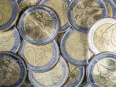 2 Euro Münzen - p401m1225580 von Frank Baquet