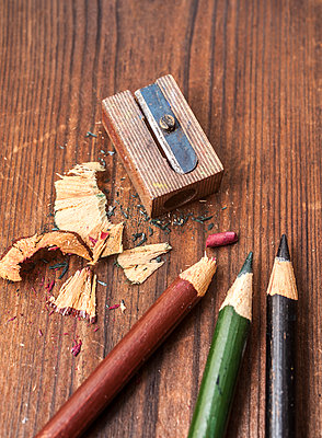 Sharpening pencils - p971m1503514 by Reilika Landen