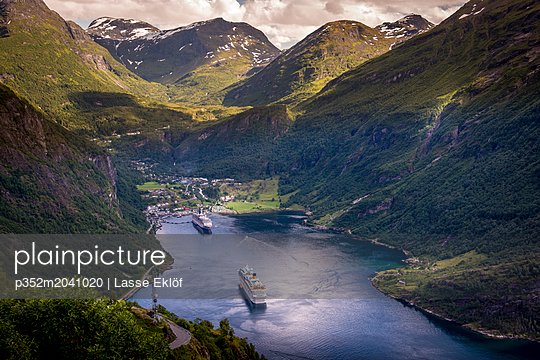 Cruise boats in Geiranger, Norway - p352m2041020 by Lasse Eklöf