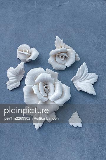 Broken porcelain roses - p971m2269902 by Reilika Landen