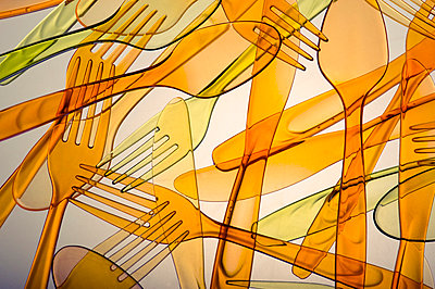 Plastic spoons and forks - p5150244 by E.Coenders