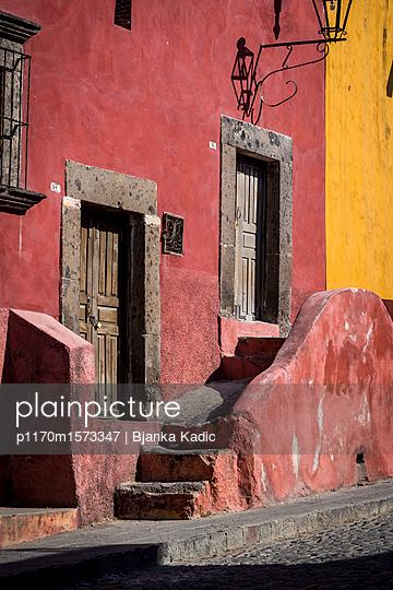 Architektur in San Miguel de Allende - p1170m1573347 von Bjanka Kadic