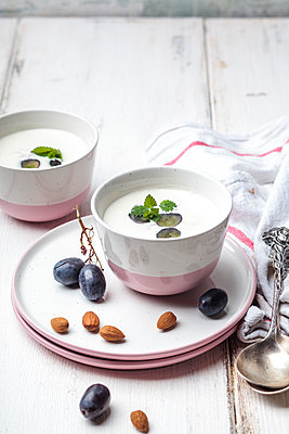 Ajo Blanco, white gazpacho, spanish cold soup, almonds and blue grapes - p300m2023465 by Susan Brooks-Dammann