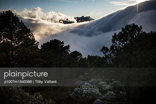 Clouds in the mountain - p1007m1540388 by Tilby Vattard