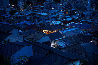 Township at night, Seoul, South Korea - p429m2058315 by Peter Muller