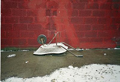 wheelbarrow - p5670541 by Jesse Untracht-Oakner