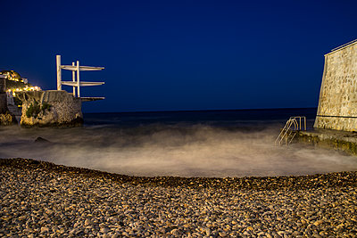 Diving platform at the seaside at night - p280m1111810 by victor s. brigola