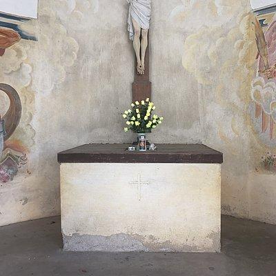 Blumen auf einem Altar - p1401m2126302 von Jens Goldbeck