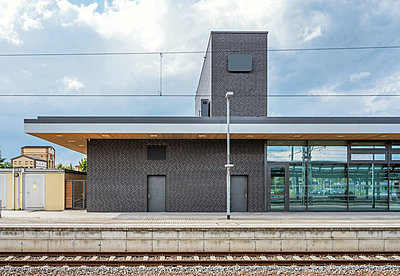 Germany, Wittenberg, Central Station - p390m2178586 by Frank Herfort