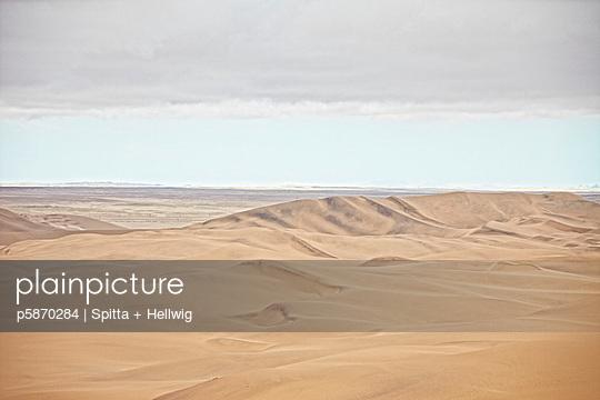 In der Wüste Namib - p5870284 von Spitta + Hellwig