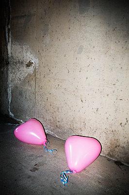 Lost love - p1418m1571863 by Jan Håkan Dahlström