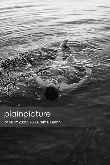 p1507m2099978 by Emma Grann