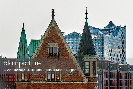 Elbphilharmonie - p229m1586865 von Martin Langer