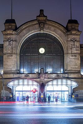 Bahnhof Dammtor - p1222m1214205 von Jérome Gerull