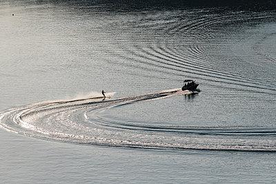 Wasserski fahren - p1437m2005834 von Achim Bunz