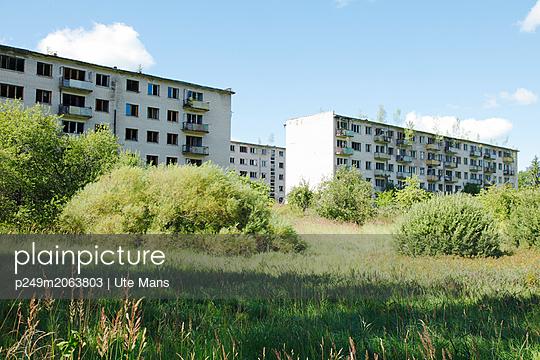 Geisterstadt - p249m2063803 von Ute Mans