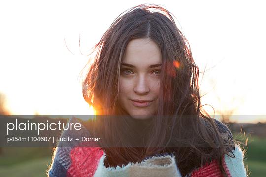 Schöner Abend - p454m1104607 von Lubitz + Dorner