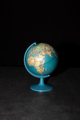Welt im Dunkeln - p454m2217398 von Lubitz + Dorner