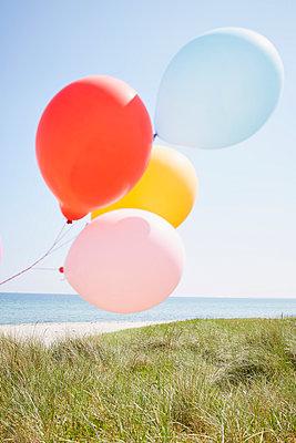 Luftballons - p464m1040745 von Elektrons 08