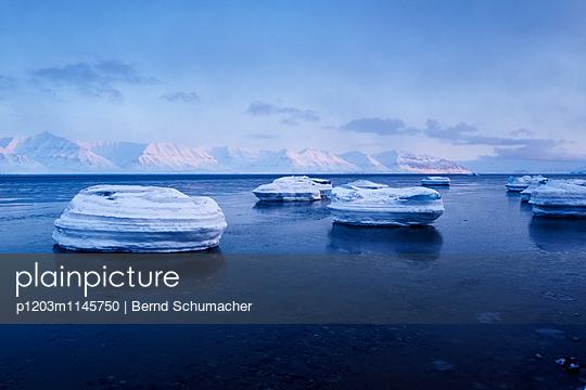 Spitzbergen - p1203m1145750 von Bernd Schumacher