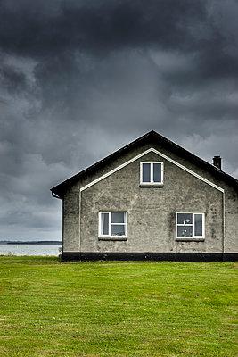 Haus an der Küste - p248m1462670 von BY
