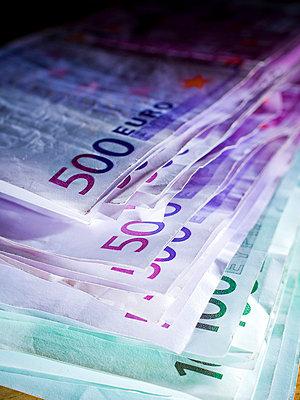 500 euro note - p4130328 by Tuomas Marttila