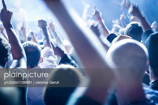 Konzert Publikum - p1222m1138881 von Jérome Gerull