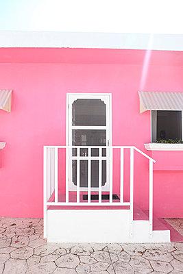Pink - p045m777544 by Jasmin Sander