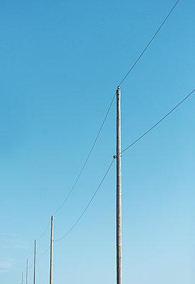 Power line - p1335m1172305 by Daniel Cullen