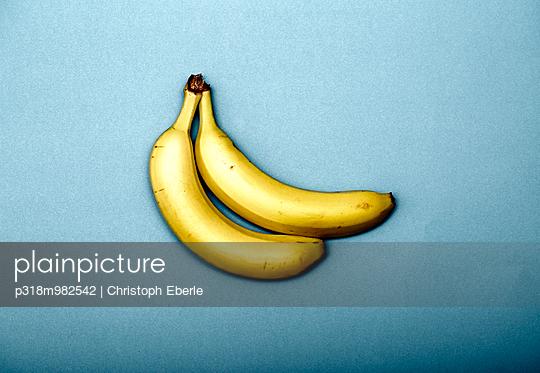 Zwei Bananen - p318m982542 von Christoph Eberle