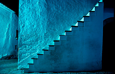 Outside staircase at building - p1395m1466006 by Tony Arruza