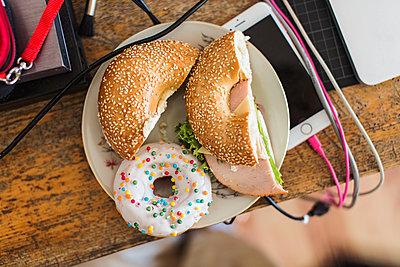 Donut und Bagel  - p1301m1200940 von Delia Baum