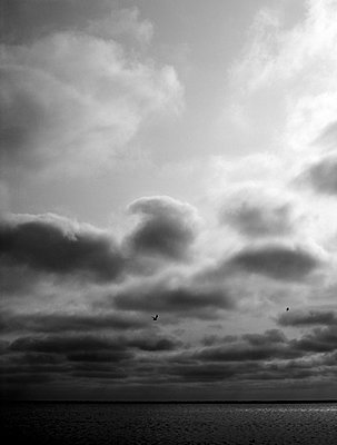 Cloudy Day - p1145m956164 by Kerstin Lakeberg
