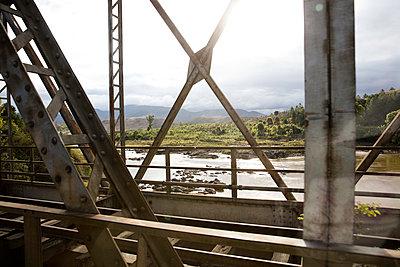 Stahlbrücke - p1272m1515590 von Steffen Scheyhing