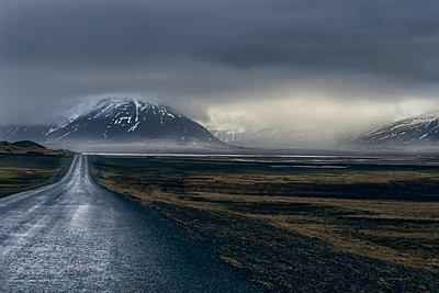 Landstraße in Island - p1280m1466772 von Dave Wall