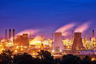Raffinerie, Grangemouth - p587m1087221 von Spitta + Hellwig