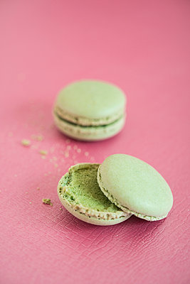 Pistachio - p954m1065877 by Heidi Mayer