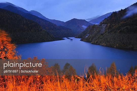 See in den Bergen, Gebirgssee - p9791697 von Schickhofer