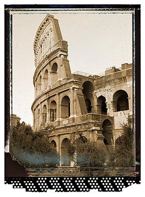 Colosseum - p401m954850 by Frank Baquet