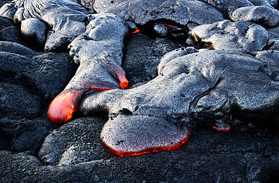 High angle view of lava flowing from Pu'u O'o' at Hawaii Volcanoes National Park - p300m2131788 by Christian Vorhofer