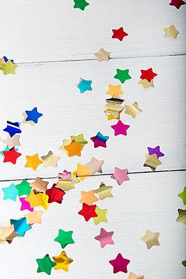 Sternkonfetti - p451m1563648 von Anja Weber-Decker