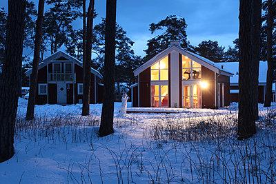 Winterhaus - p1217m1170477 von Andreas Koslowski