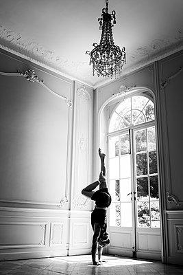 Handstand - p1295m2133585 by Katharina Bauer