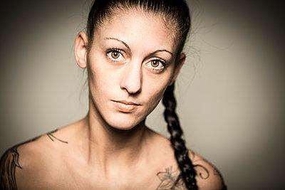 Portrait - p552m891909 by Leander Hopf