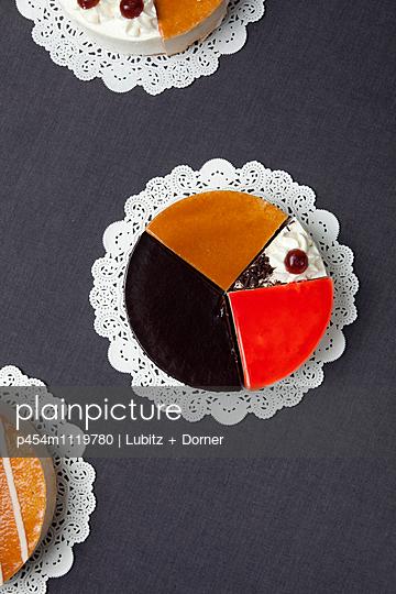 Little choice - p454m1119780 by Lubitz + Dorner