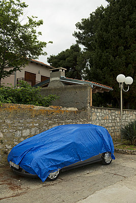 Blau car tarpaulin - p1041m856821 by Franckaparis